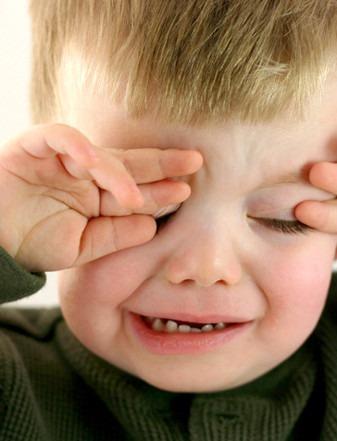 как реагировать на плач ребенка