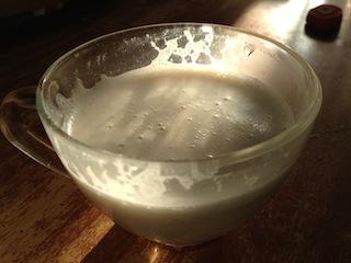 кунжутное-кокосовое молоко с фиником